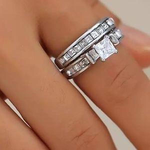 Jewelry - Stunning New CZ Wedding/ Engagement Ring Set